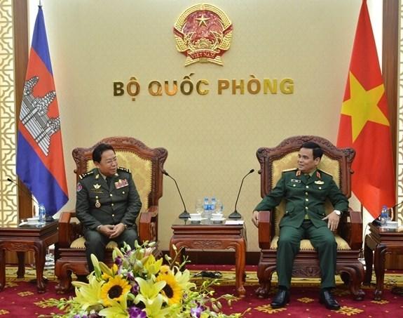 Renforcement de la cooperation dans la defense Vietnam-Cambodge hinh anh 1