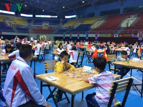 Le Vietnam en tete des Championnats d'Asie juniors elargis de xiangqi 2018 hinh anh 1