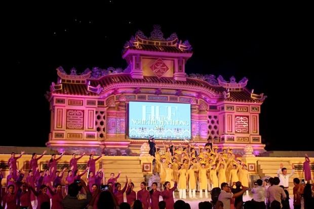 Bientot le 8e festival des metiers traditionnels de Hue hinh anh 1