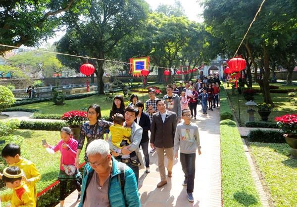 Pres de 7,5 millions de visiteurs a Hanoi ce premier trimestre hinh anh 1