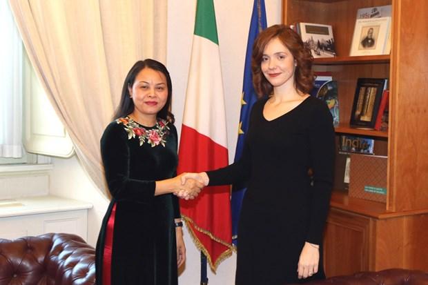 Une delegation de l'Union des femmes vietnamiennes en visite en Italie hinh anh 1