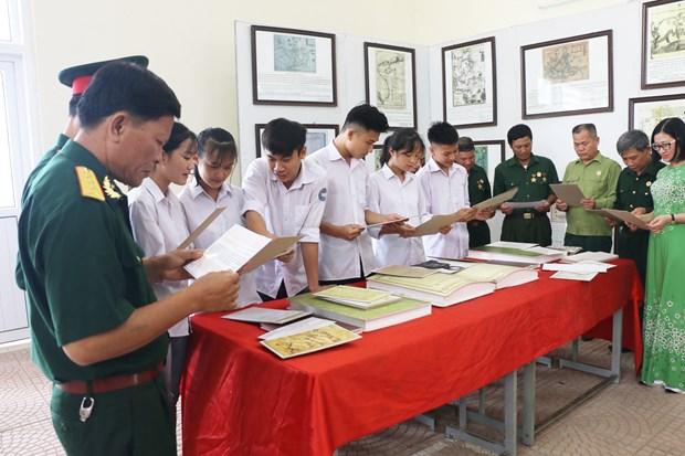Exposition sur les archipels de Hoang Sa et Truong Sa a Hoa Binh hinh anh 1