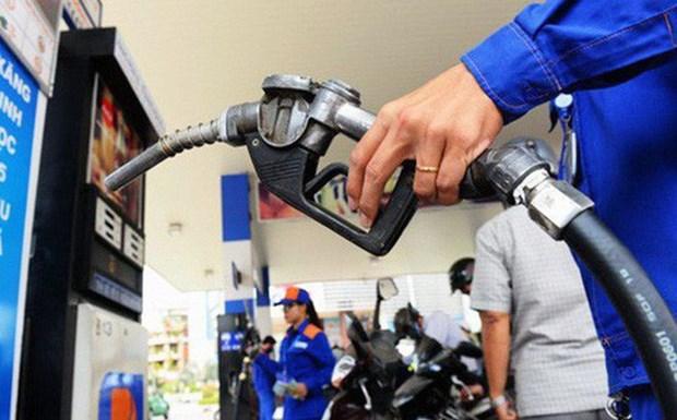 Deuxieme hausse consecutive des prix des carburants en avril hinh anh 1