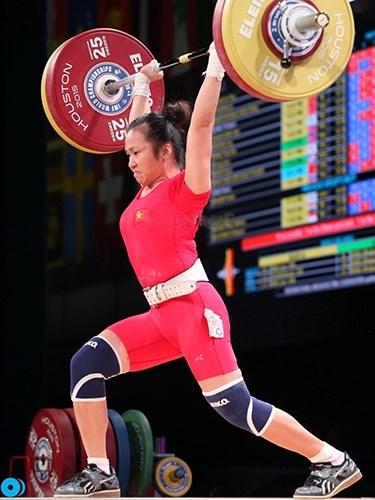 Championnats d'Asie d'halterophilie 2019 : le Vietnam remporte trois medailles d'or hinh anh 1
