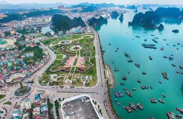 Quang Ninh invite les investisseurs a investir dans les ZE et les ZI hinh anh 1