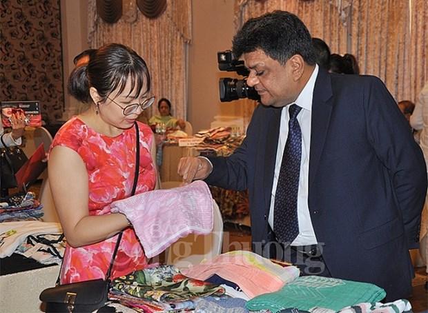 Textile-habillement : rencontre entre entreprises Vietnam-Inde hinh anh 1