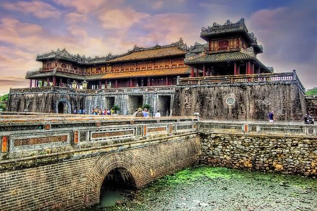 Thua Thien-Hue attire 2,11 millions de visiteurs en cinq mois hinh anh 1