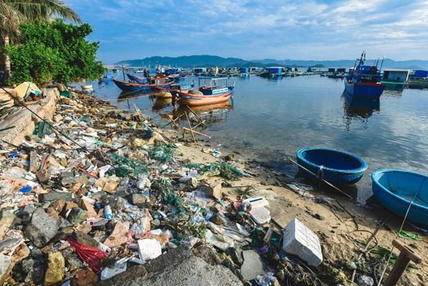 Ouverture d'une exposition de photos sur les dechets plastiques a Hanoi hinh anh 1