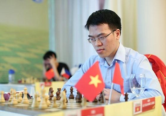 Echecs : Le Quang Liem remporte le titre de champion d'Asie pour la premiere fois hinh anh 1
