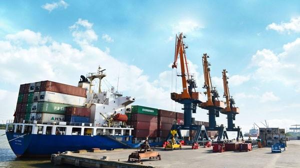 Forte hausse des exportations nationales d'essence et de petrole en mai hinh anh 1