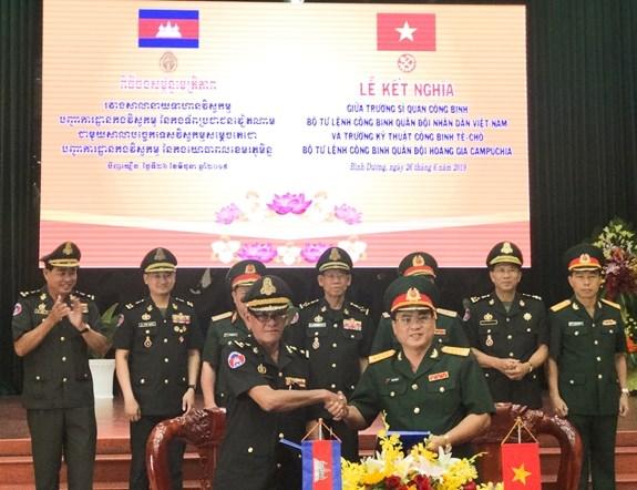 Cooperation renforcee entre les Armees du Genie vietnamienne et cambodgienne hinh anh 2
