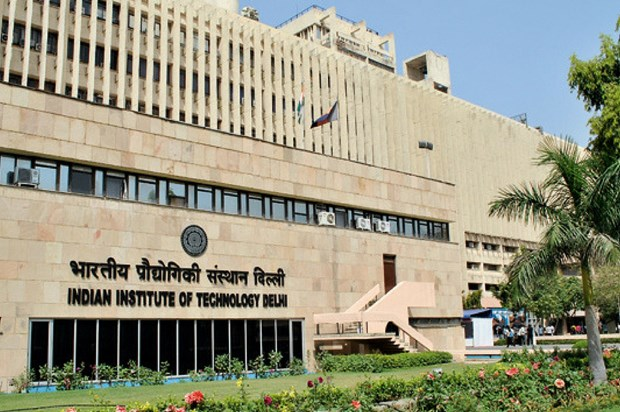 L'ambassade d'Inde rencontre des etudiants recevant des bourses de l'ICCR hinh anh 1