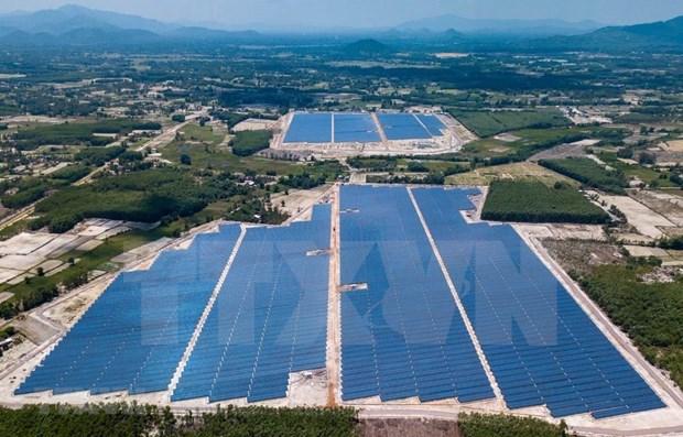 Quatre-vingt-deux centrales solaires raccordees au reseau national hinh anh 1