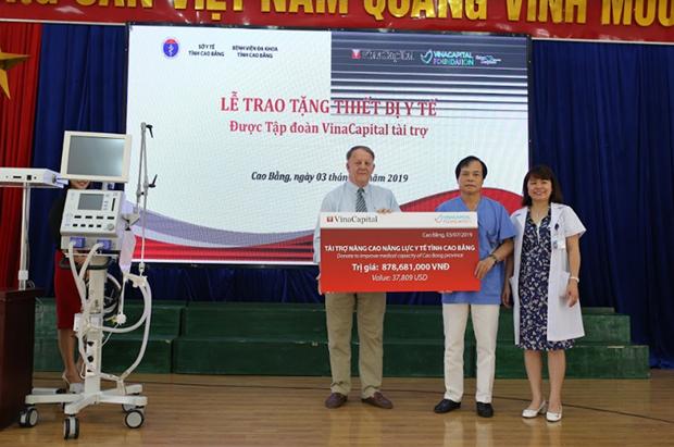 VinaCapital offre d'equipements medicaux a deux provinces montagneuses du nord hinh anh 1