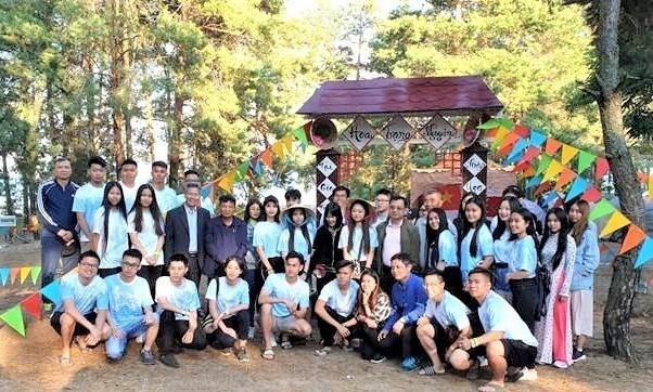 Un camp de jeunes vietnamiens en Ukraine hinh anh 1