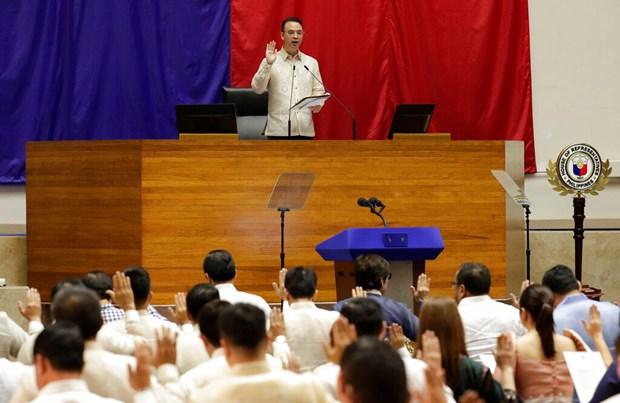 La Chambre des representants des Philippines elit un nouveau president hinh anh 1