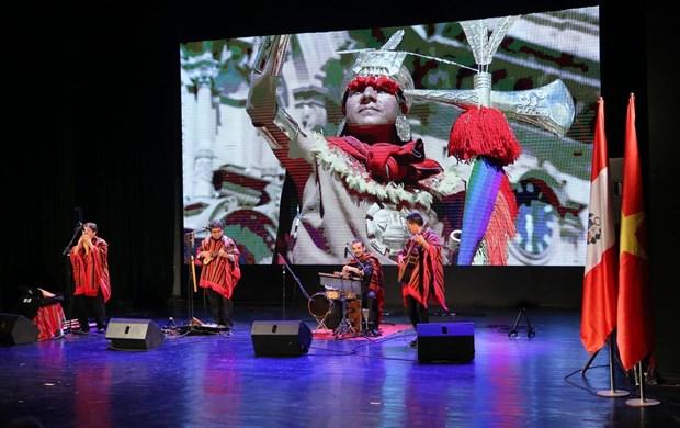 Un programme artistique special rapproche le Perou des Vietnamiens hinh anh 1