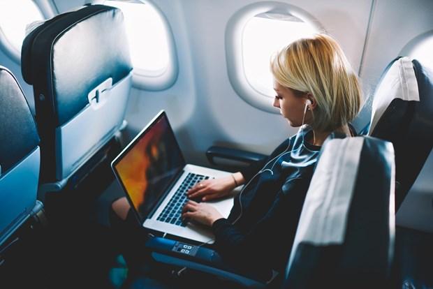 Singapore Airlines bannit des avions certains modeles de MacBook Pro 15 pouces hinh anh 1