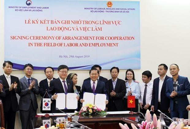 Le Vietnam et la R. de Coree dynamisent leur cooperation dans le travail hinh anh 1