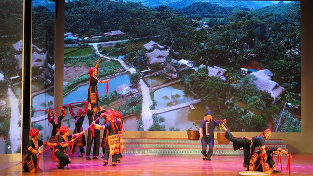 Le programme «Harmonie folklorique entre Israel et le Vietnam» organise a Lao Cai hinh anh 2