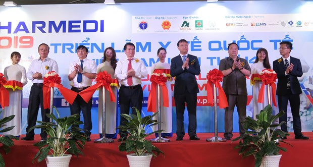 Ouverture de la 14e exposition internationale sur la medecine du Vietnam hinh anh 1