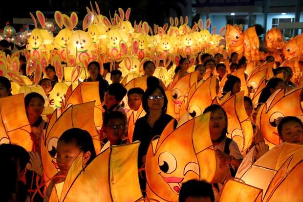 La plus grande fete des lanternes de la mi-automne du Vietnam organise a Binh Thuan hinh anh 1