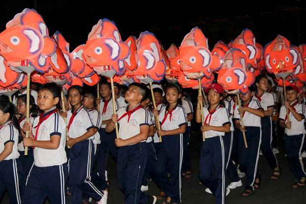 La plus grande fete des lanternes de la mi-automne du Vietnam organise a Binh Thuan hinh anh 2