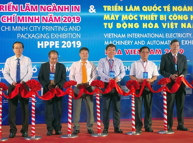 Ouverture d'une serie d'expositions sur l'electricite et l'imprimerie a Ho Chi Minh-Ville hinh anh 1