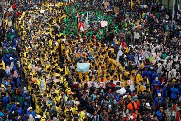 La majorite des Indonesiens appuient le retrait d'une nouvelle loi anticorruption hinh anh 1