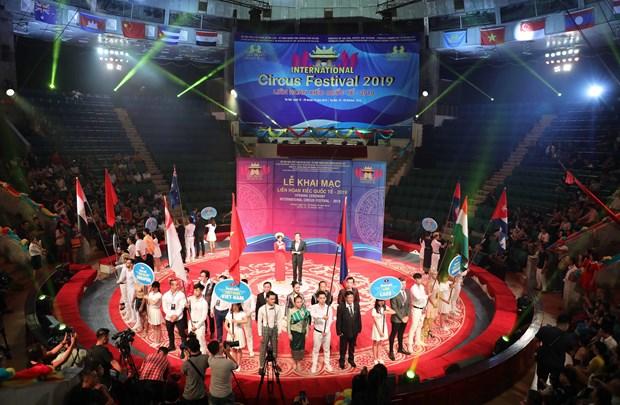 Ouverture du Festival international du cirque 2019 hinh anh 1
