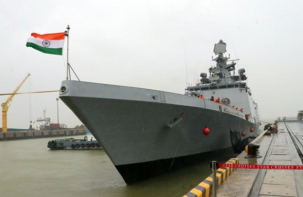 Le navire de guerre indien INS Sahyadri jette l'ancre a Da Nang hinh anh 1