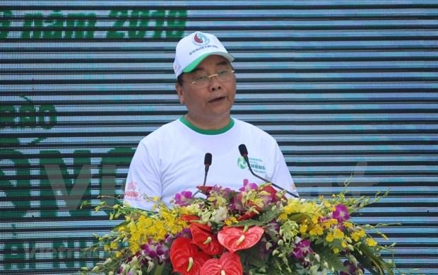 Le Premier ministre appelle a un effort commun pour lutter contre les dechets plastiques hinh anh 1