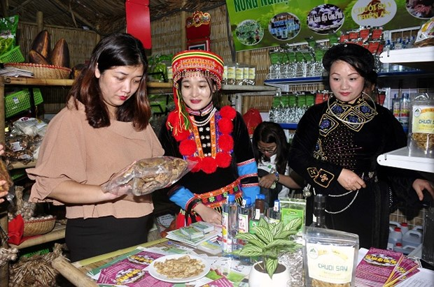 Une foire promeut les specialites locales a Hanoi hinh anh 2