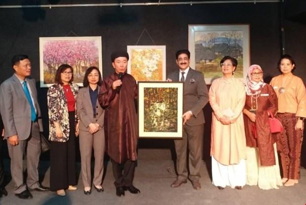 Ouverture une exposition des peintures vietnamiens en Inde hinh anh 1