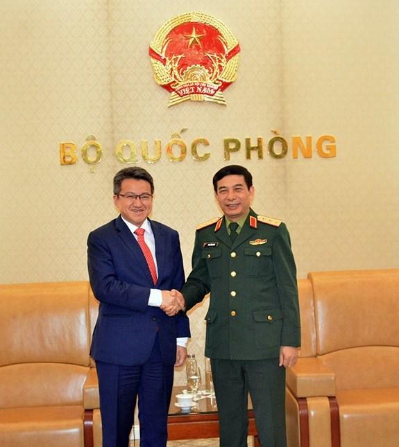 Le vice-ministre de la Defense Phan Van Giang recoit son homologue malaisien hinh anh 1