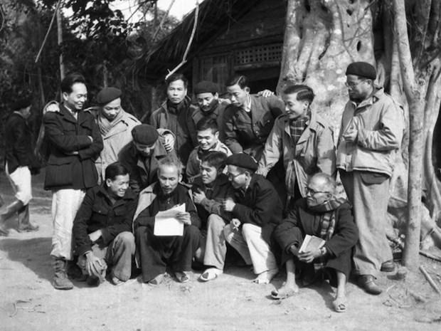 L'application du Testament du President Ho Chi Minh et les victoires de la revolution vietnamienne hinh anh 1