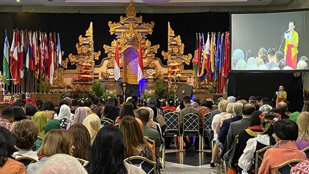 Le Vietnam a la 52e Foire caritative internationale en Indonesie hinh anh 1