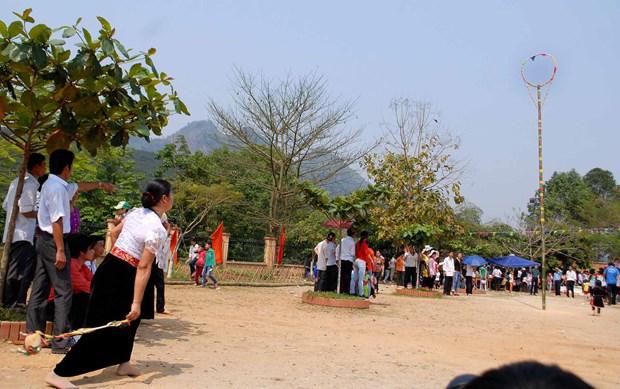 Lai Chau : bientot le 6e Festival de jeu de lancer de balles d'etoffe Vietnam-Laos-Chine hinh anh 1