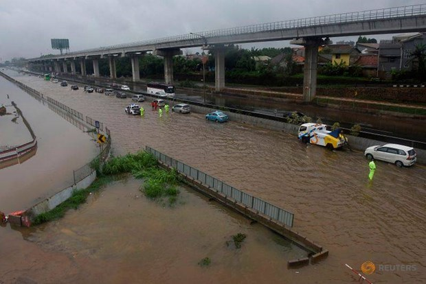 Indonesie : Au moins neuf morts lors des inondations du Nouvel An a Jakarta hinh anh 1
