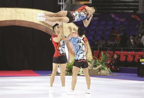 Ces etudiants qui brillent dans la gymnastique hinh anh 2