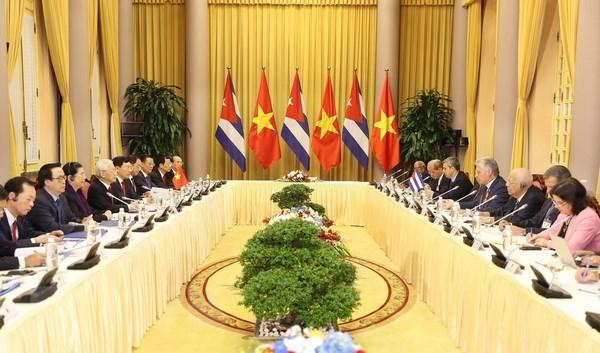 Vietnam-Cuba : entretien entre Nguyen Phu Trong et Miguel Mario Diaz Canel Bermudez hinh anh 1