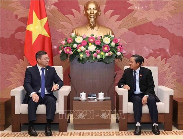 Le vice-president de l'AN Do Ba Ty recoit le secretaire du Parti Nur Otan du Kazakhstan hinh anh 1