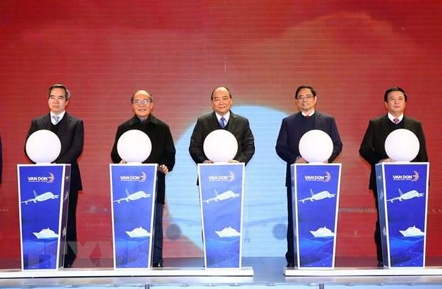 Le PM a la ceremonie d'ouverture des infrastructures majeures a Quang Ninh hinh anh 1