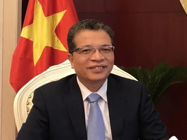 L'ambassadeur du Vietnam en Chine rencontre la presse hinh anh 1