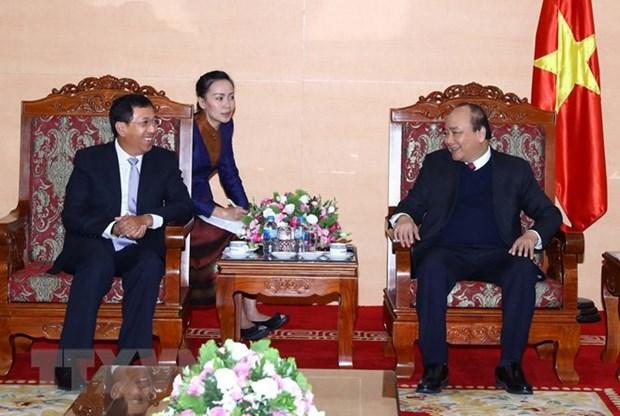 Le PM salue la cooperation bancaire entre le Vietnam et le Laos hinh anh 1