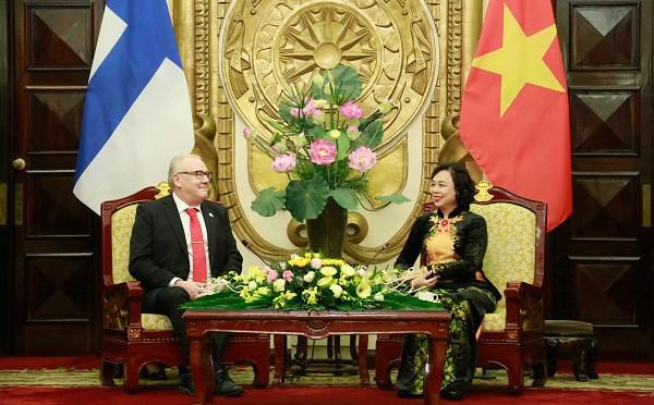 Promotion de la cooperation entre Hanoi et la region finlandaise d'Ostrobotnie du Sud hinh anh 1
