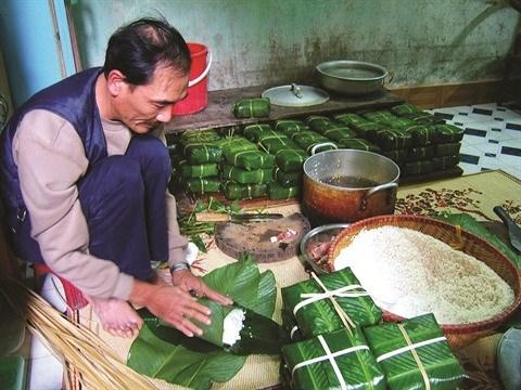 Pic d'activite dans les villages de metier a l'occasion du Tet hinh anh 1