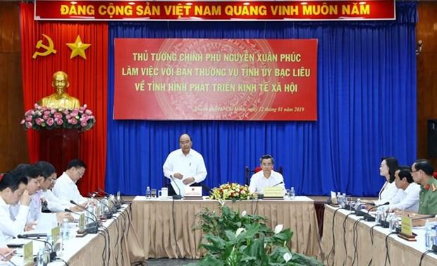 Le PM travaille avec les responsables de la province de Bac Lieu hinh anh 1