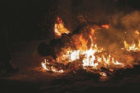 Les Dao rouges accueillent tout feu tout flamme l'annee lunaire hinh anh 3