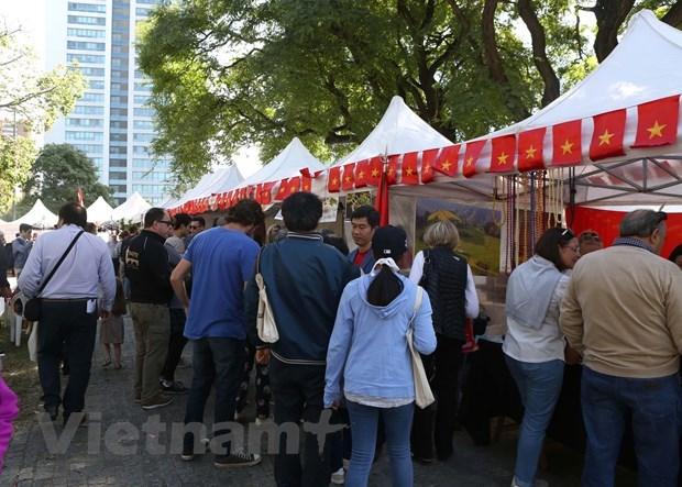 La culture vietnamienne introduite au bazar de l'ASEAN en Argentine hinh anh 1